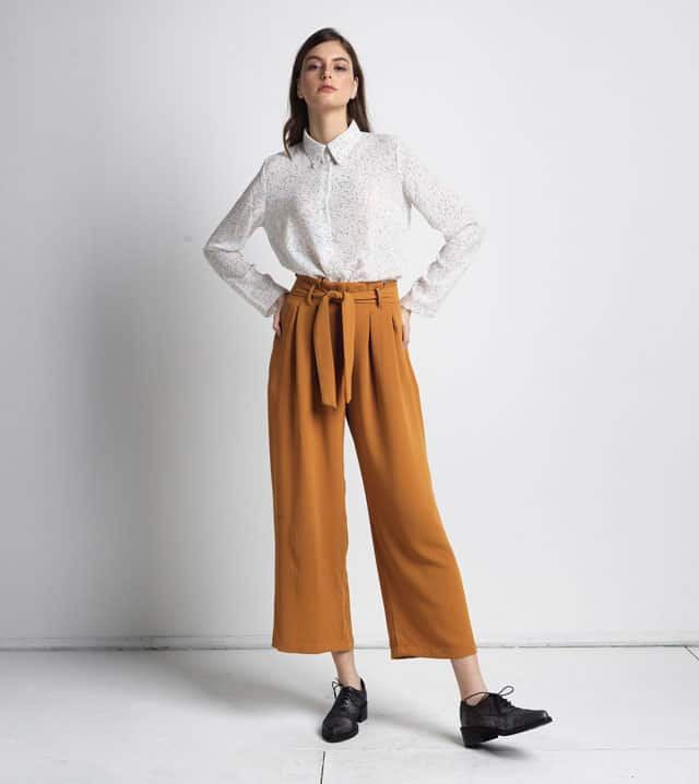 בצילום: חולצה ומכנסיים של אנדי ואירן. צילום: טל גבעוני