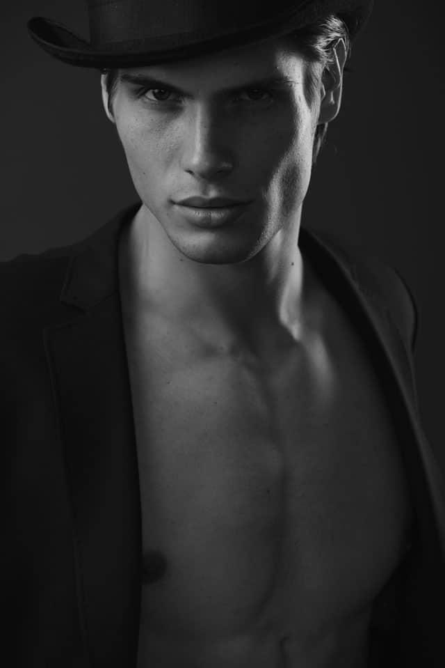 Efifo - מגזין אופנה ישראלי, דוגמן: אנטון דוידסון, סוכנות Mc2 Model Management, צילום: משה אהרון -67