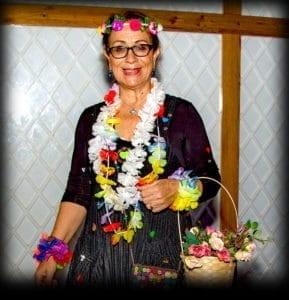 פורים 2018: מסיבת תחפושות של קשישים משכונת עזרא ומשכונת התקווה. אתי חן, צילום: מיטל אזולאי - 1