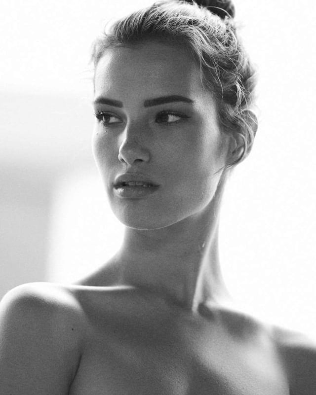 בתמונה: אופנה - ולריה לורן. צילום: רועי פרי-3