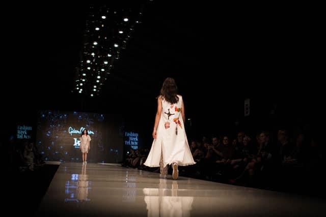 תצוגת האופנה של גדעון וקארן אוברזון. שבוע האופנה תל אביב 2018. צילום: יונתן אזולאי - 1