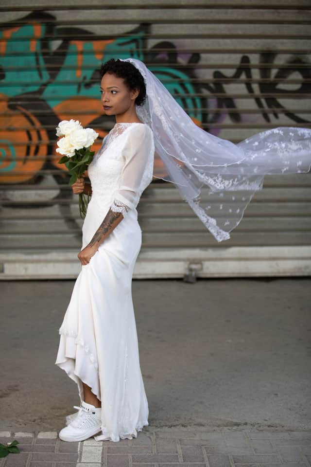 שמלה: ויוי בלאיש עבור בוטיק שמלות כלה רוח נשית, נעליים: JORDEN