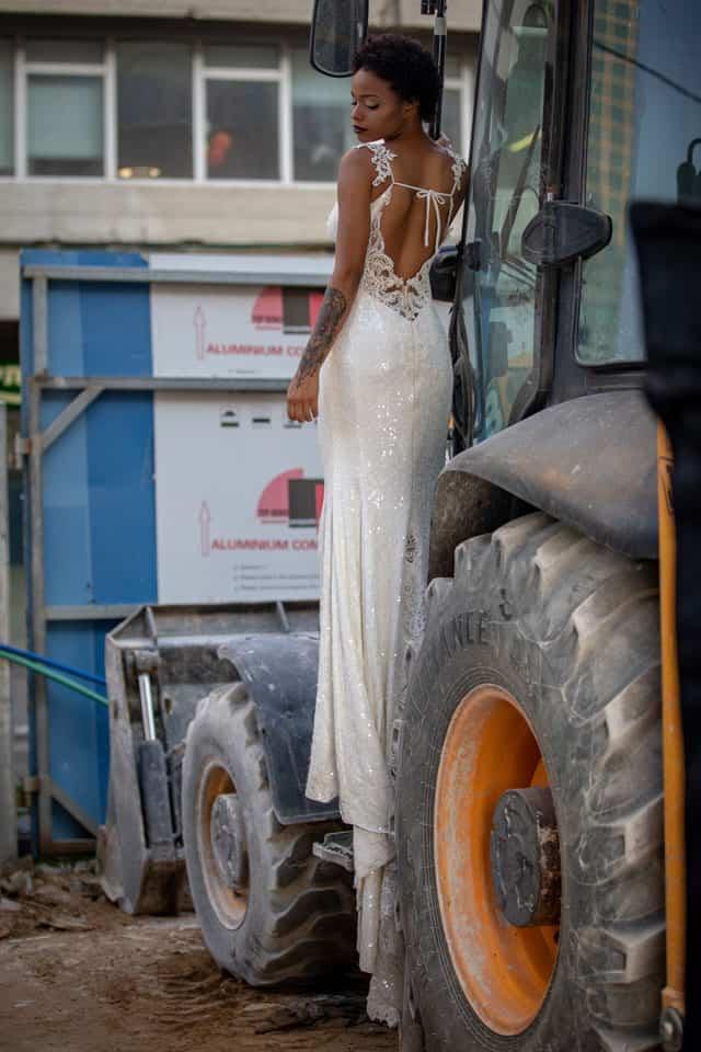 שמלה: דוד חצבני עבור בוטיק שמלות כלה רוח נשית