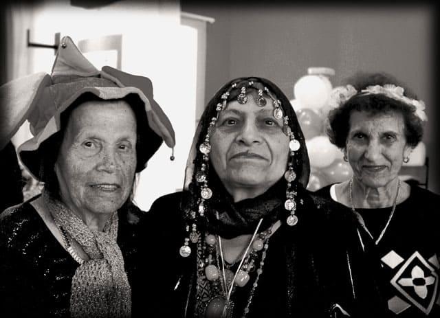 פורים 2018. צילומי מסיבת פורים של קשישים במרכז גונדה. צילום: יונתן אזולאי - 16