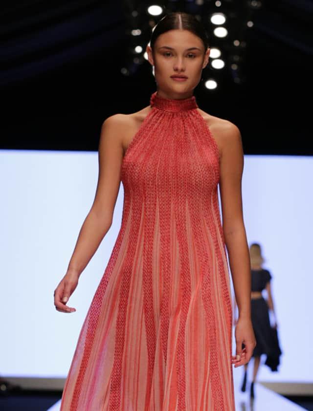 מתוך תצוגת האופנה של מוריאל דז'דטי. צילום: יחצ