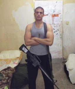 עמיר עמאר כחייל בצה״ל. Efifo - מגזין האופנה של ישראל