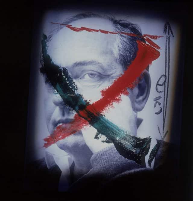 בצילום: פייסל אל חוסייני ,1992, מעריב. צילום: מיכה קירשנר