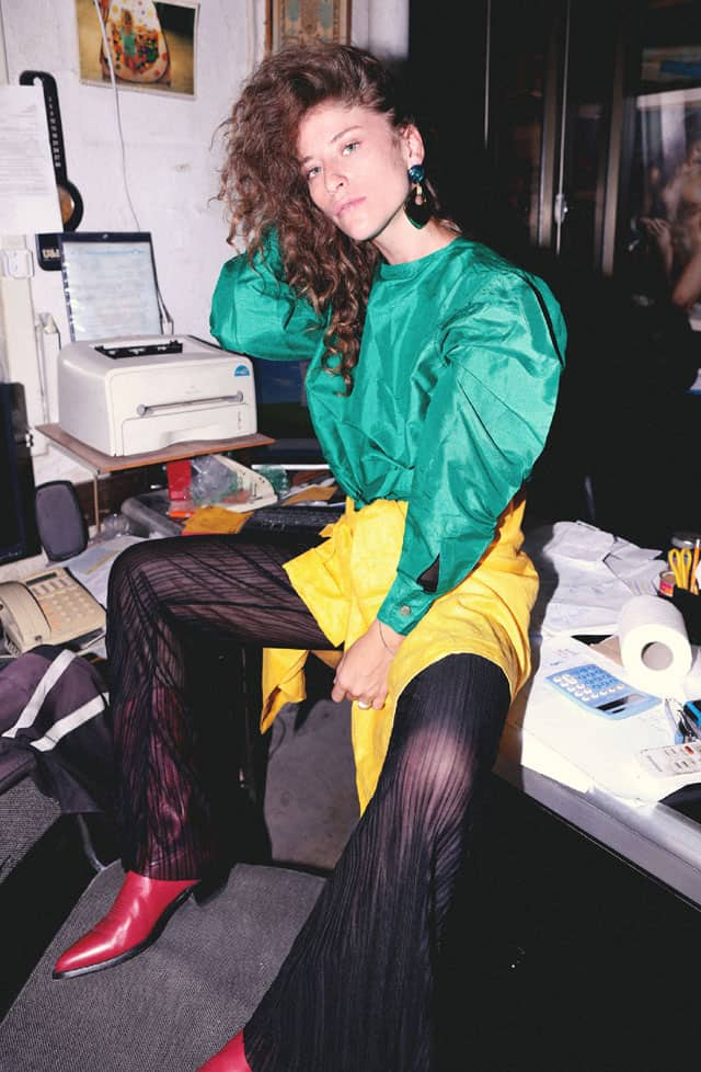 חולצה ירוקה - ג׳ים תומפסון, חולצה צהובה - lisa and scott, מכנסיים - zara, מגפיים - Tony lama, עגילים - תכשיטי מרוק, הפקת אופנה: צילום: סער פסח - Saar Pesach, סטיילינג: קורין סוויד - Corine Swed, דוגמנית: ג׳ורדן בלום - Jordan Blum ל-Yuli Models, סוכנות יולי, סוכנות דוגמנות, אופנה, מגזין אופנה, חדשות אופנה, כתבות אופנה, Fashiom Magazine, Fashion, Efifo ,מגזין אופנה ישראלי, מגזין אופנה ועיצוב, עיתון אופנה, מגזין אופנה אונליין, טרנדים, סטייל - 7