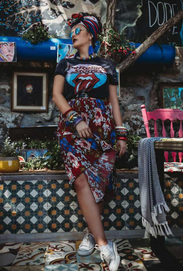T shirt: pull & bear, skirt: Private collection, sunglasses: carolina Lemke, scarf: Aldo, - אופנה, מגזין אופנה, חדשות אופנה, כתבות אופנה, מגזין אופנה ישראלי, מגזין אופנה ועיצוב, עיתון אופנה, מגזין אופנה אונליין, טרנדים, סטייל ,Fashiom Magazine, Fashion סטיילנג: ספדי איה- סטיילינג שנקר, צילום: Nat Niszakov, Afeef Tannous, דוגמנית: ספדי אמגאד,Styling: Safadi Aya - Styling Shenkar,Model: Safadi Amjadal -7