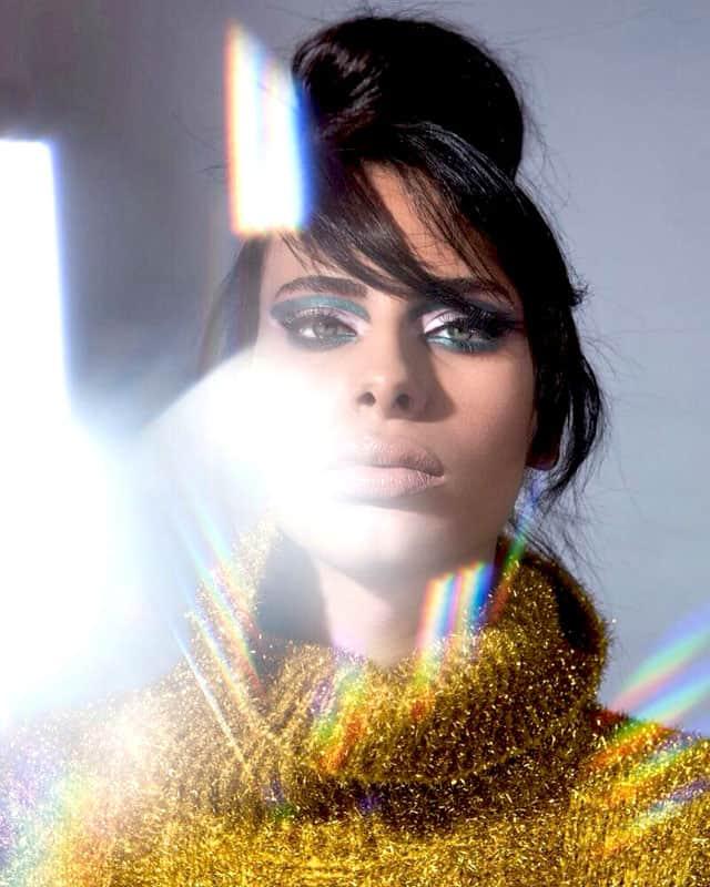 Efifo, מגזין אופנה של ישראל, דוגמנית: רומי אברג׳יל, Romy Abergel, איפור ועיצוב שיער: מאי לי, צילום: עומרי ליפשיץ,סטיילינג: אופיר מילר, סוודר: H&M, אופנה, מגזין אופנה, מגזין אופנה אונליין, מגזין אופנה 2018, Fashion, fashion magazine, כתבות אופנה -5