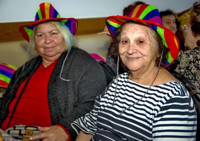 פורים 2018: מסיבת תחפושות של קשישים משכונת עזרא ומשכונת התקווה. צילום: מיטל אזולאי - 4