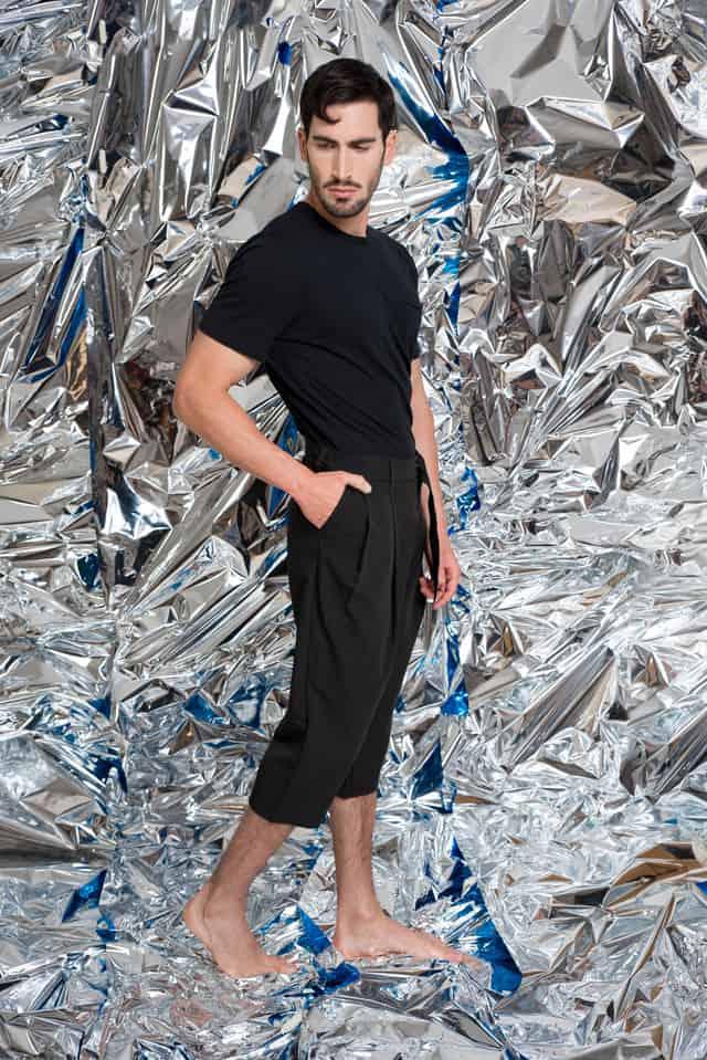 מכנסיים: Nouveau Riche Dog by Maoz Dahan, חולצה: אוסף פרטי, הפקת אופנה:צילום: מיטל אזולאי, סטיילינג: עופרי בלהדונה, איפור:מאיה אפרת, עיצוב שיער: Emmanuel Chicheportiche, דוגמן: אייל אור ל׳רונן אור צרפתי׳,אופנה, מגזין אופנה, חדשות אופנה, כתבות אופנה, Fashiom Magazine, Fashion, Efifo ,מגזין אופנה ישראלי, מגזין אופנה ועיצוב, עיתון אופנה, מגזין אופנה אונליין, טרנדים, סטייל - 25