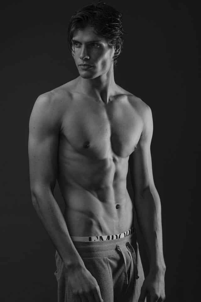 Efifo - מגזין אופנה ישראלי, דוגמן: אנטון דוידסון, סוכנות Mc2 Model Management, צילום: משה אהרון -2
