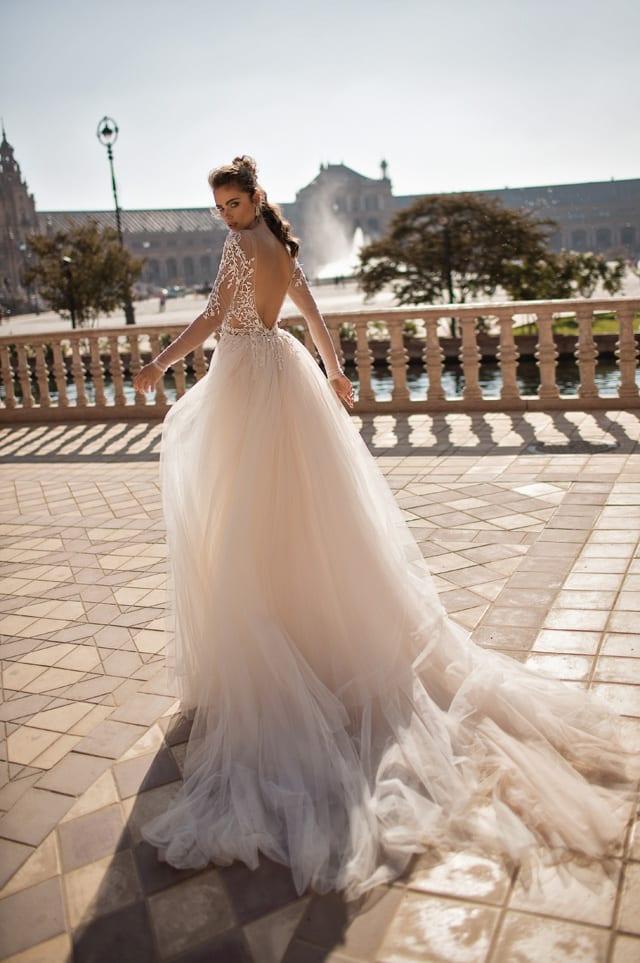 בצילום: שמלת כלה של ברטה. צילום יחצ