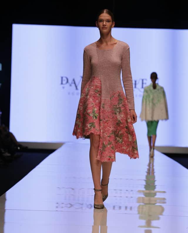 שבוע האופנה תל אביב. דנה כהן. צילום: אבי ולדמן -