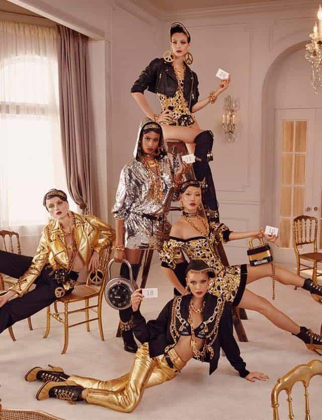 - הקמפיין הפרסומיMOSCHINO [tv] H&M, אופנה, מגזין אופנה, חדשות אופנה, כתבות אופנה, Fashiom Magazine, Fashion, Efifo ,מגזין אופנה ישראלי, מגזין אופנה ועיצוב, עיתון אופנה, מגזין אופנה אונליין, טרנדים, סטייל