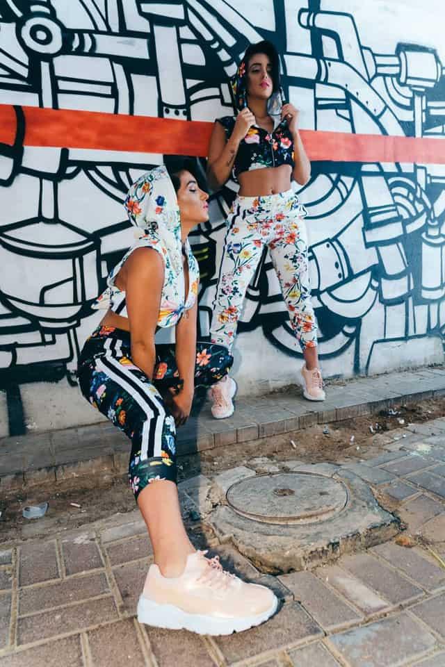 סטיילינג: מאי לוי - שנקרסטיילינג פרו, צלם: גיא אביב,דוגמניות:התאומות מלול twins malul,איפור: שובל סירי, אופנה: ״בלאגן״ - נתניה,Photography: Guy Aviv, Styling: May Levi, Models: Edi & Mery Malul, Makeup: Shoval Siri, Clothes: Balagan-9