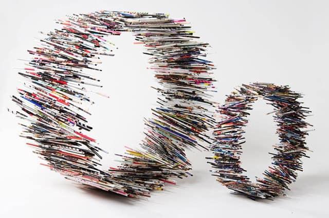 חישוקים מגליונות ווג מגולגלים. עבודה של האמנית שולי בורנשטיין וולף - 1
