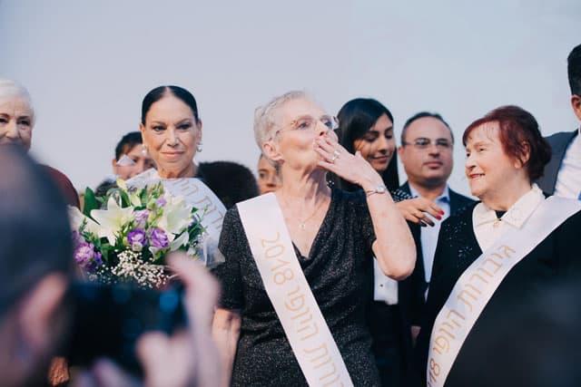 יום השואה, ניצולות שואה. ״גיבורות היופי״. צילום: אביב אברג׳ל. Efifo. מגזין אופנה ישראלי -10