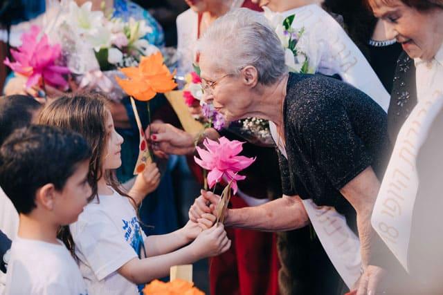 יום השואה, ניצולות שואה. ״גיבורות היופי״. צילום: אביב אברג׳ל. Efifo. מגזין אופנה ישראלי -9
