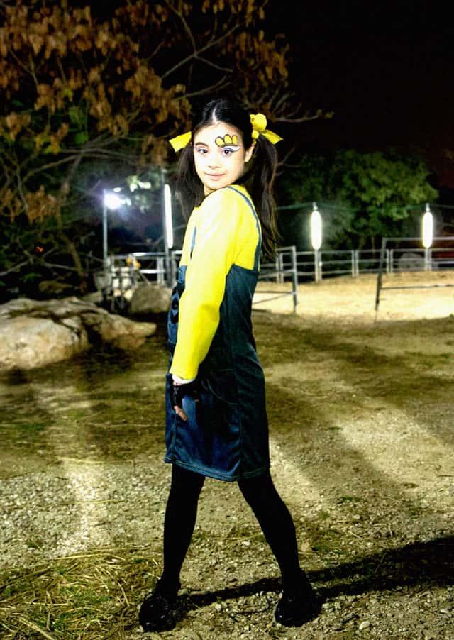 הפקת אופנה לפורים 2018. ילדי ״יש לי מותק של תסמותק״ מצולמים בתחפושות למגזין אופנה Efifo בחוות נחשונים. צילום: עדי שרגא - 11