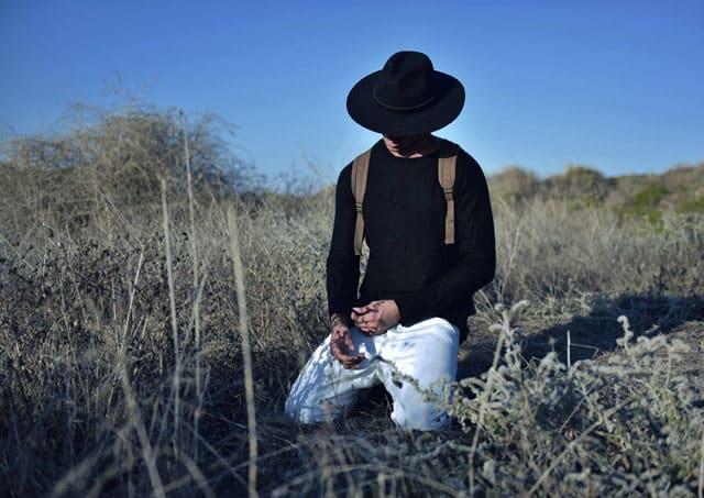 Efifo - מגזין אופנה ישראלי, דוגמן: ליעוז הרוש, סוכנות Passion Management, צילום: גיא דניאלי, סטיילינג: אייל חג׳בי - 7