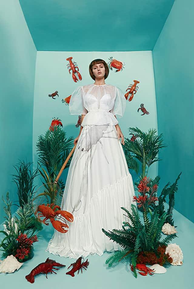 בצילום: שמלה של מאור צבר. צילום: הילה שייר - 1