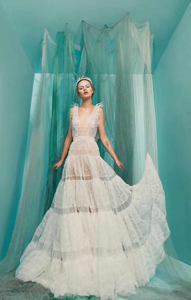 בצילום: שמלה של מאור צבר. צילום: הילה שייר - 4
