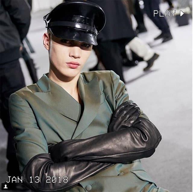 המראה הצבאי. תצוגת אופנה של מוסקינו בשבוע האופנה לגברים מילאנו 2018. צילום: אינסטגרם