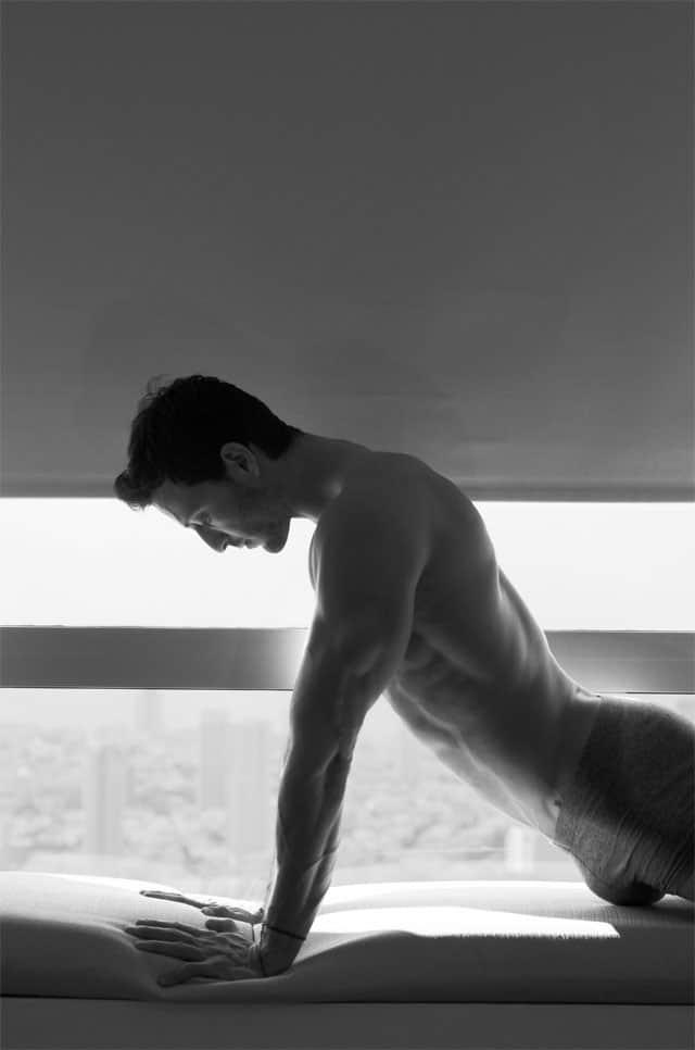 Efifo - מגזין אופנה ישראלי - דוגמן:מייקל לואיס, סוכנות:אלינור שחר- ניהול אישי, צילום:ניסים יצחק -6