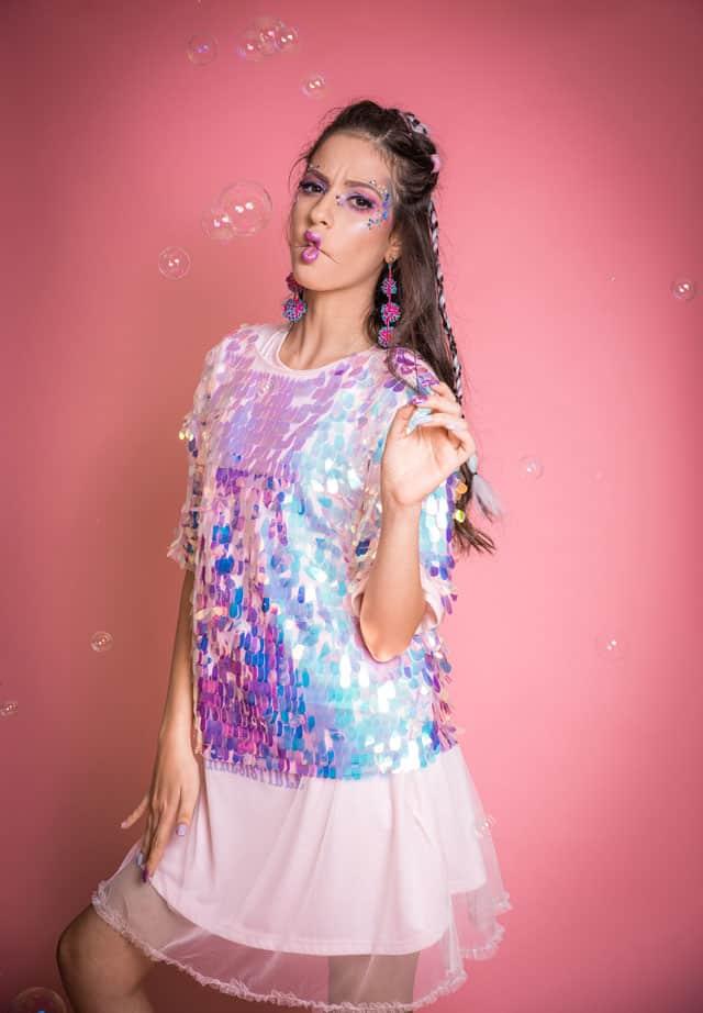 חולצה: זארה, שמלה: pastel junkies, עגילים: פול אנד בר, גרביים H&M, צילום: מיטל אזולאי (Meital Azulay) סטיילינג: ניצן אברהם (Nitzan Avraham), איפור ועיצוב שיער: מאיה אפרת (Maya Ephrat), דוגמנית: מיתר קרני (Meitar Karni) ל׳שביט רביבו׳(Shavit Revivo), הפקה: Efifo, אופנה, מגזין אופנה, חדשות אופנה, כתבות אופנה, Fashiom Magazine, Fashion, Efifo ,מגזין אופנה ישראלי, מגזין אופנה ועיצוב, עיתון אופנה, מגזין אופנה אונליין, טרנדים, סטייל - 2