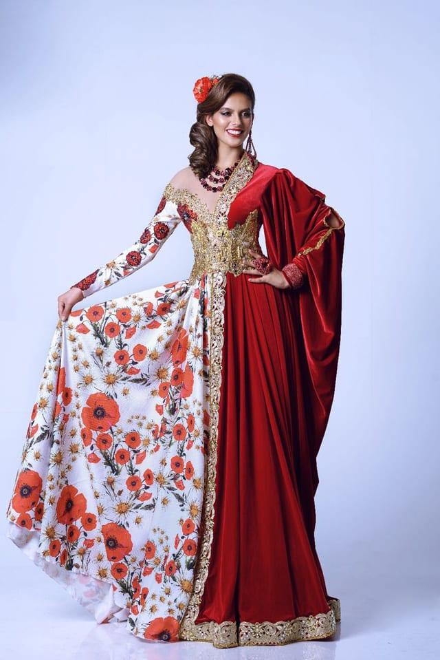 בצילום: מלכת היופי קארין עליה בתחרות מיס עולם 2017 בשמלה של אביעד אריק הרמן. בדים - בדי אירופה. צילום: ערן לוי