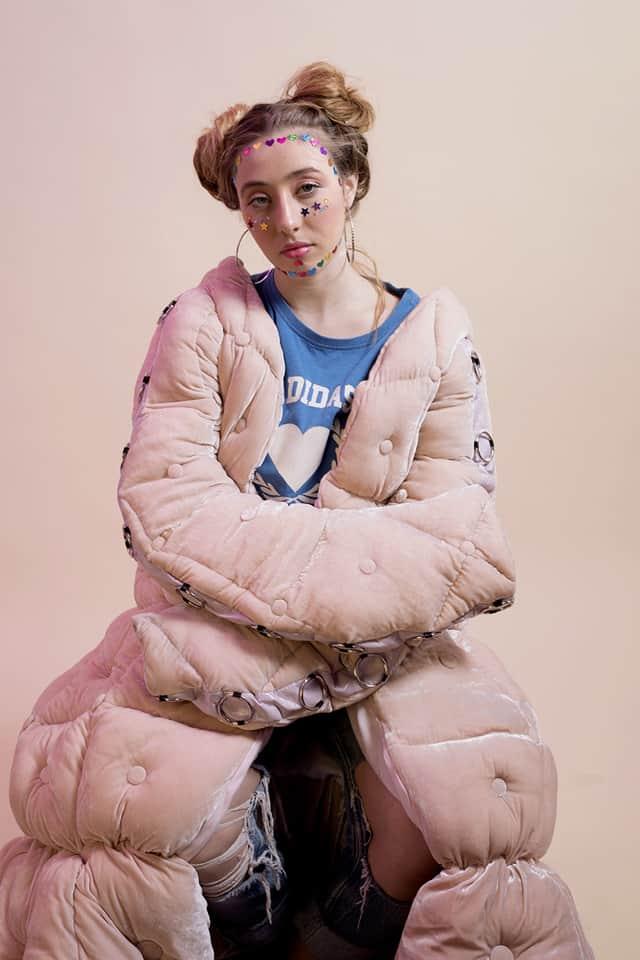 צילום מלכיאלה בן שבת, מעיל, Stass PK, חולצה אדידס, גינס ווינטג, אפיפו, מגזין אופנה. אפיפו -2-1