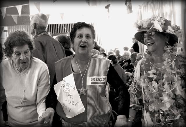 פורים 2018. צילומי מסיבת פורים של קשישים במרכז גונדה. צילום: יונתן אזולאי - 7