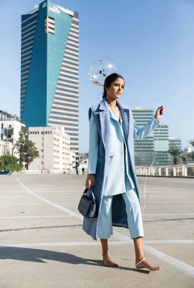 ווסט: מארי 88 פאשן, חליפה: אנה סיני, תיק: אקססוריז