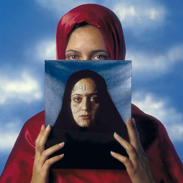 בצילום: נסרין מזאוי ,מעריב 1995. צילום: מיכה קירשנר
