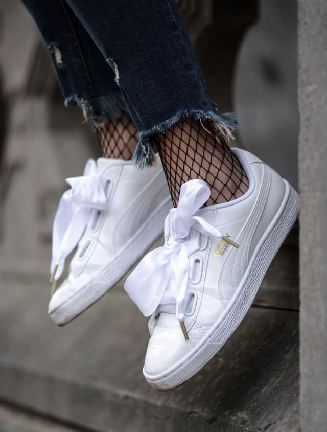 נעלי סניקרס לבנות של פומה. צילום: יח״צ חו״ל
