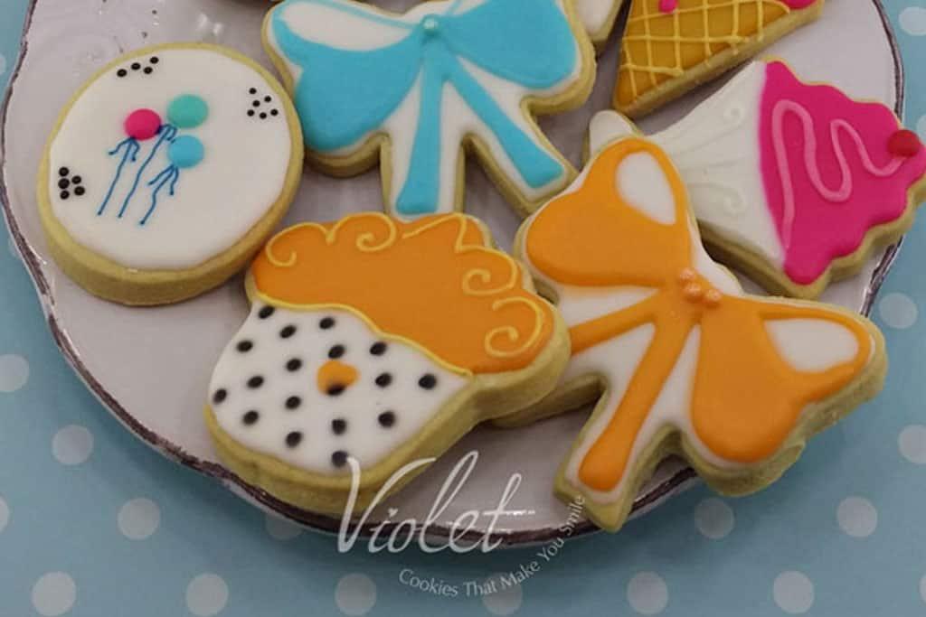 צלחת יום הולדת. עוגיות ויולט. צילום: יח״צ