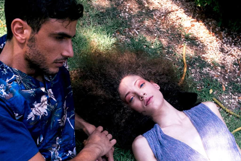 יסכה - שמלה: SABINA MUSÁYEV, עגילים: C' CLAIR by Yam Assoulin.. עמיר - חולצה: ZARA, מכנסיים ונעליים: BAMOSS SQUARE , כובע: אוסף עצמי, צילום: גל גולץ (Gal Goltz), סטיילינג: עופרי בלהדונה (Ofry Beladona), איפור: דידי פז (Didi Paz), עיצוב שיער: רובי חושנגי (Ruby Hoshangi), דוגמנים: יסכה מסטריז (Iska Mestriz) ל-׳רוברטו׳, עמיר עמאר (Amir Ammar), הפקה: Efifo@efifo.mag, הם היו האוהבים הציעירים. מוקדש לצביקה פיק - אופנה, מגזין אופנה, חדשות אופנה, כתבות אופנה, Fashiom Magazine, Fashion, Efifo ,מגזין אופנה ישראלי, מגזין אופנה ועיצוב, עיתון אופנה, מגזין אופנה אונליין, טרנדים, סטייל - 12
