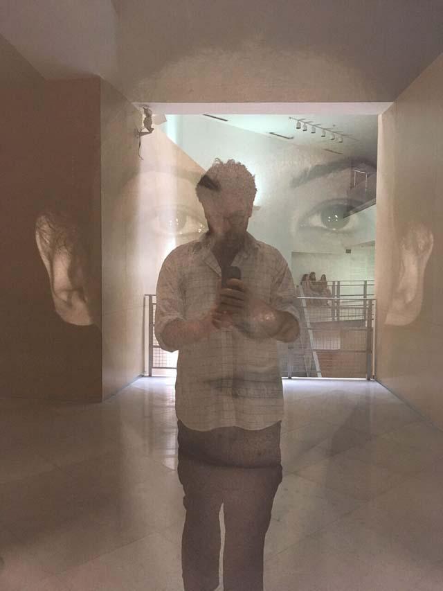 """תערוכת צילום: עמרי קרן לפידות - Reflecting Art. הגלריה ע""""ש מורל דרפלר. המחלקה לצילום, המרכז האקדמי ויצו חיפה, אופנה, מגזין אופנה, חדשות אופנה, כתבות אופנה, Fashiom Magazine, Fashion, Efifo ,מגזין אופנה ישראלי, מגזין אופנה ועיצוב, עיתון אופנה, מגזין אופנה אונליין, טרנדים, סטייל - 3"""
