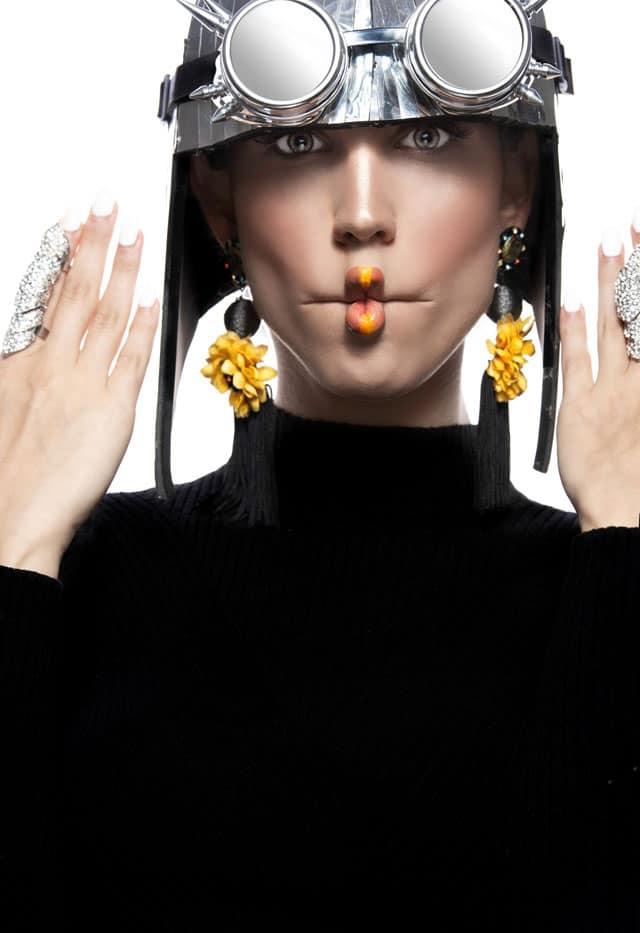 הפקת אופנה - ביוטי: צילום: אלכסבןארי & דוידדהן (alex and david), סטיילינג: ניצןאברהם (Nitzan Avraham), איפור: עדיהגיגיאברג'יל (Edia Abargil), דוגמניות: מיריואליענהל-Passion Management,אופנה, מגזין אופנה, חדשות אופנה, כתבות אופנה, Fashiom Magazine, Fashion, Efifo ,מגזין אופנה ישראלי, מגזין אופנה ועיצוב, עיתון אופנה, מגזין אופנה אונליין, טרנדים, סטייל -