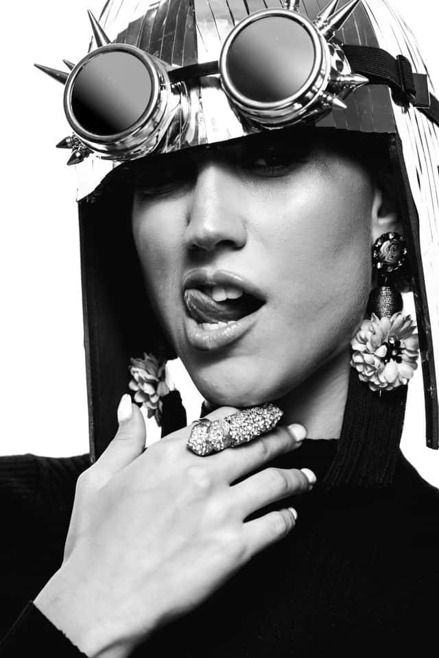 הפקת אופנה - ביוטי: צילום: אלכסבןארי & דוידדהן (alex and david), סטיילינג: ניצןאברהם (Nitzan Avraham), איפור: עדיהגיגיאברג'יל (Edia Abargil), דוגמניות: מיריואליענהל-Passion Management,אופנה, מגזין אופנה, חדשות אופנה, כתבות אופנה, Fashiom Magazine, Fashion, Efifo ,מגזין אופנה ישראלי, מגזין אופנה ועיצוב, עיתון אופנה, מגזין אופנה אונליין, טרנדים, סטייל - 77