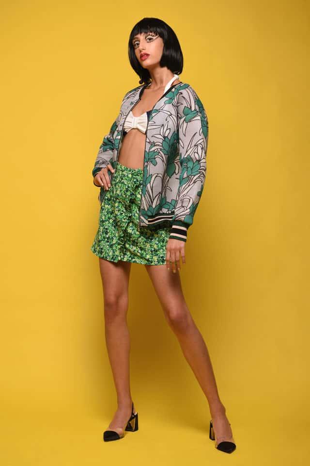 ז׳קט: איילת ויינמן- Ayelet Weinman, חזיית בגד ים: Ugly Duckling by Gal Angel, חצאית: טופשופ, נעליים: זארה, עגילים: Say Jewelry by Alex Silberstein