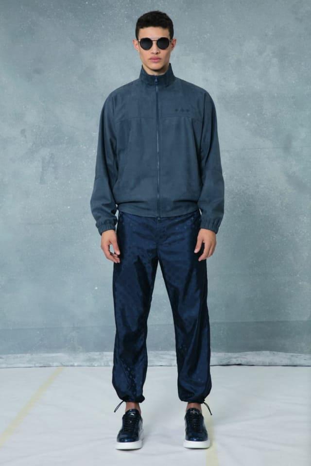 קולקציית בגדי הגברים לחורף 2018-2019 ל-Louis Vuitton בעיצובו של המנהל האמנותי קים ג'ונס. צילום: לואי ויטון מלטייר, אופנת גברים, בגדי גברים, אופנה, מגזין אופנה, מגזין אופנה ישראלי - 4