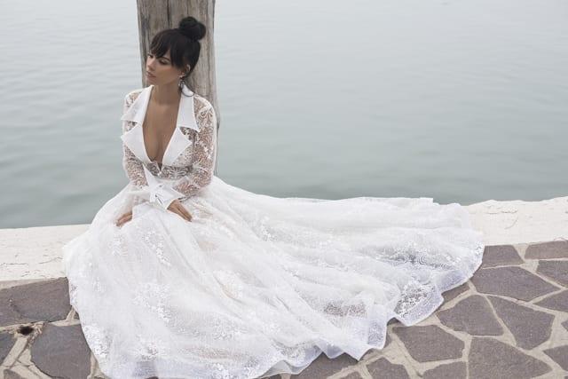 בצילום: שמלת כלה של שלומית אזרד צילום רונן פדידה