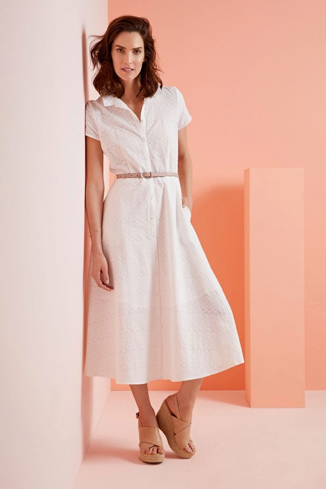 שמלה לבנה של גולף efifo, מחיר: 299.90 שקל, גולף אביב קיץ 2017. 99.90 שקל. צילום: דניאל קמינסקי
