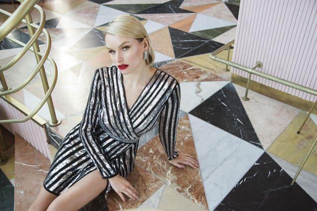 שמלת פאייטים של אייס קיוב, צילום איתן טל, מגזין אופנה, מגזין אופנה ישראלי, Efifo, Fashion, Fashion Magazine, אופנה - ICE CUBE, photo Eitan Tal