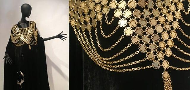 תכשיטי הענק של רחל גרא מסימני ההיכר של יפה ירקוני. משמאל כיפה שריקמתה הפכה חלק משמלה מקורית מתוך זה הסוד שלי צילום רפרודוקציה אפי אליסי, אופנה, מגזין אופנה, חדשות אופנה, כתבות אופנה, Fashiom Magazine, Fashion, Efifo ,מגזין אופנה ישראלי, מגזין אופנה ועיצוב, עיתון אופנה, מגזין אופנה אונליין, טרנדים, סטייל