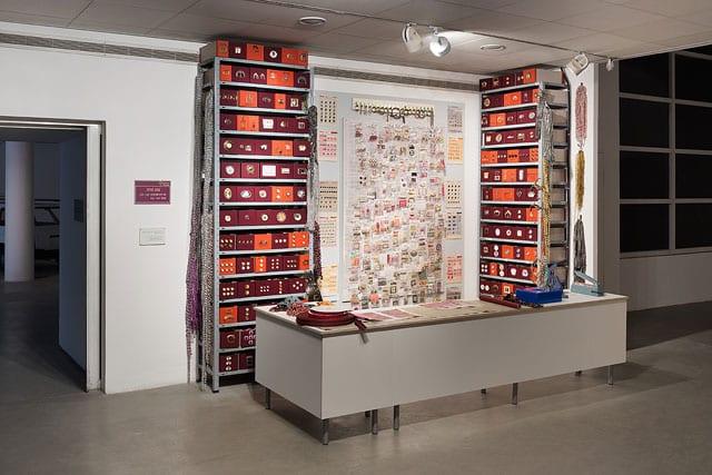 ביתן הלנה רובינשטיין לאמנות בת זמננו: סביבות עבודה-3