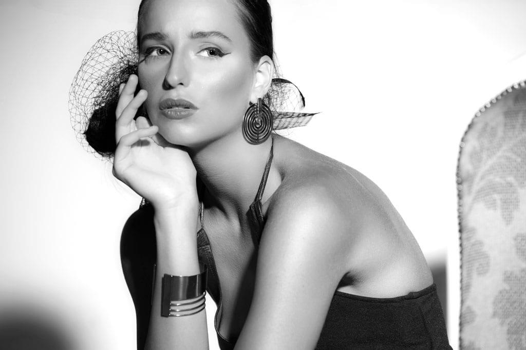 שמלה: לוני וינטג', תכשיטים וינטג': שרון סטאר - 1